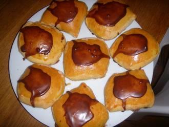Billede af Gammeldags fastelavnsboller med creme og glasur