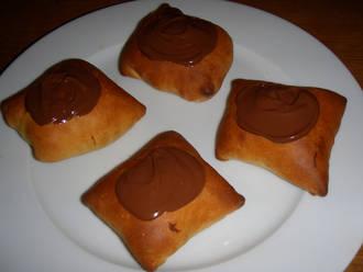 Billede af Fastelavnsboller med cremefyld og chokoladeglasur