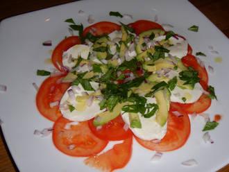 Billede af Avocadosalat med tomat og mozzarella
