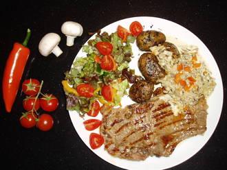 Billede af Højrebsbøffer med persillestegte kartofler og championflødesovs